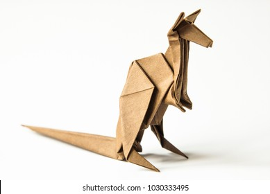 Origami kangaroo with baby. Designed by Peter Engel. Folded by Ty ... | 280x389