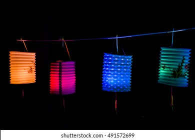 The original,evergreen and popular paper lantern exist when chinese first discovered bamboo paper / Colorful lanterns / Widely used by people decorating their houses during the mid-autumn festival  d