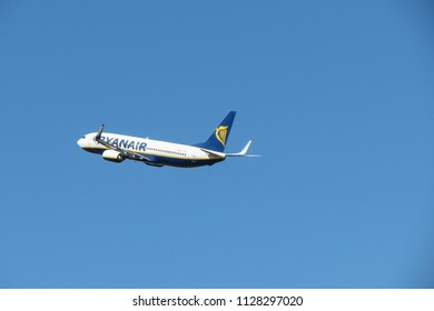 ORIO AL SERIO, BERGAMO, ITALY - CIRCA SEPTEMBER 2015: Ryanair aircraft Boeing 737-80 during take-off