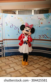 ORLANDO - FEB 3:  Minnie Mouse appears for the departing of the new Disney Dream Cruise in Port Canaveral on Feb 3, 2013 in Orlando, Florida.