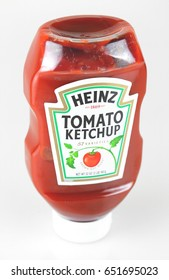 ORLANDO, FL - June 1, 2017: Heinz Tomato Ketchup remains the best selling brand of ketchup for over 100 years.