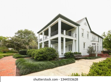 ORLANDO, FL, USA – MARCH: Leu House Museum in Harry P. Leu Gardens in  Orlando.  Leu Museum is a restored 19 century home listed on the National Register of Historic Places as seen on March 17, 2019.