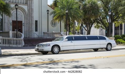 ORLANDO, FLORIDA  - OCTOBER 25, 2014:  White limousine Lincoln Town Car in Orlando, Florida