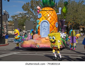 ORLANDO, FLORIDA, USA - NOVEMBER 3: Sponge Bob charachters at Universal Studios Orlando Florida.  Taken November 3, 2017 in Florida.