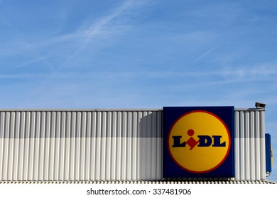 ORMESSON SUR MARNE, FRANCE - NOVEMBER 8, 2015: Logo of Lidl brand in Ormesson sur Marne. Lidl is a German hard-discount business through this twenty-six countries in Europe with 7839 stores.