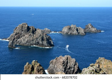 Ortegal cup, Fishermen of barnacles,Percebeiros,Carino,A Coruna,Galicia, Spain,  the Aguillóns,separating the Atlantic and Cantabrian oldest rocks in the world,amphibolites, Famous for their barnacles