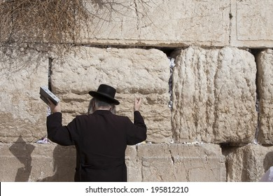 Orthodox Jew prays at the Western Wall