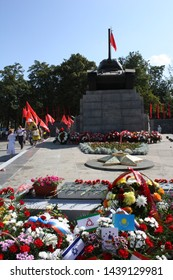 ORYOL (OREL), ORYOL REGION, RUSSIA - MAY 8TH, 2014: World War II Victory Day celebrations in Tanker's Square