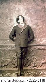 Oscar Wilde (1864-1900), photograph by Napoleon Sarony, 1882