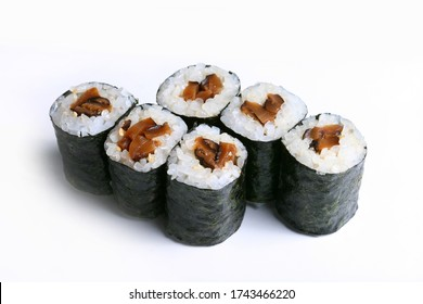 Oshinko Maki, Maki sushi rolls, pickled radish rolled with sushi rice wrapped by dried seaweed Japanese food style