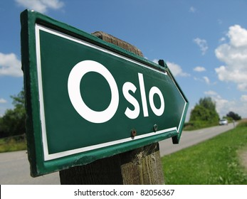 Oslo signpost along a rural road