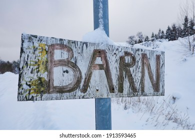 """Osmo, Sweden A homemade sign in Swedish saying """"Children,"""" hanging on a lamppost."""