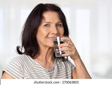 Osteoporosis, Milk, Women.