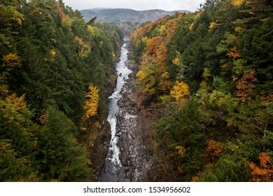 Ottauquechee River, Quechee Gorge, Quechee National Park, Vermont USA