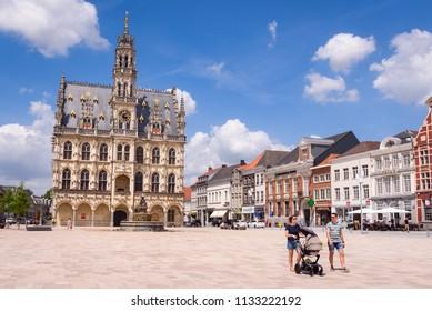 OUDENAARDE, BELGIUM. June 15, 2018: The central square or Oudenaarde Markt with beautiful Town hall and MOU museum in Oudenaarde, Vlaamse Ardennen, Belgium.