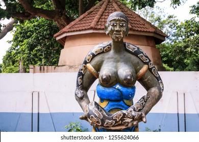 Temple Des Pythons Images, Stock Photos & Vectors | Shutterstock