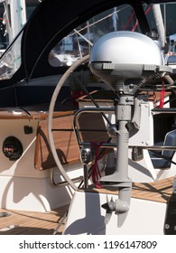 Outboard motor on sailboat