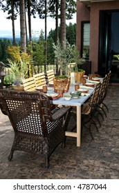 Outdoor Dining Room  set Beautifully