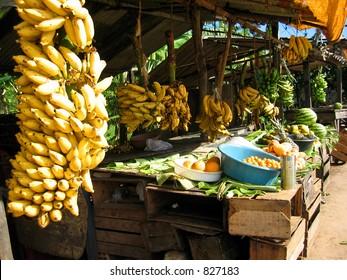 An outdoor fruit market in Brazil.