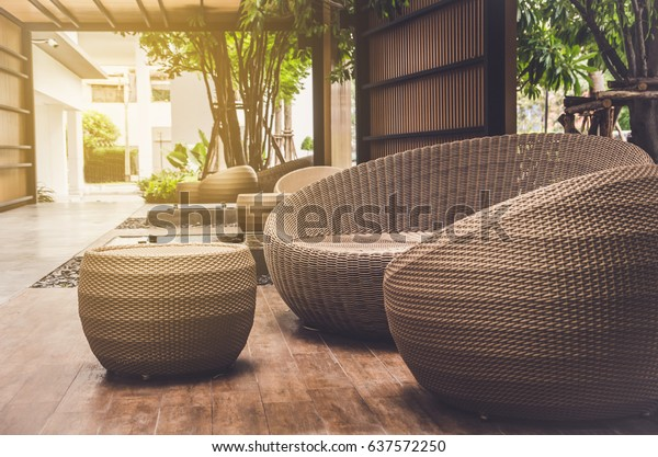 Foto De Stock Sobre Mobiliario Exterior Sillones De Mimbre Y