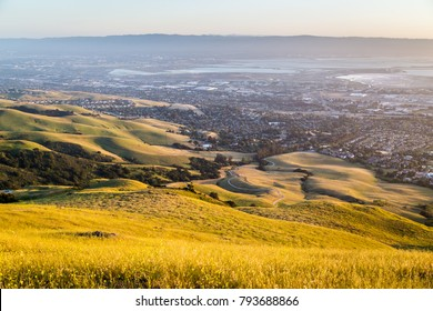 Outdoor landscapes seen from the Mission Peak in  Fremont California