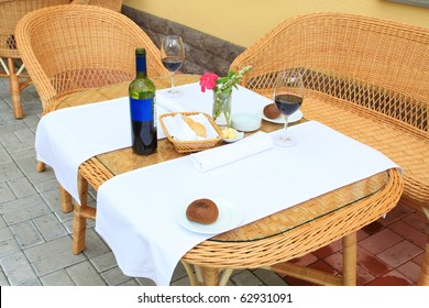the outdoor lunch at resort