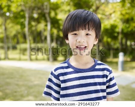 Tiny Aasian suku puoli kuvia