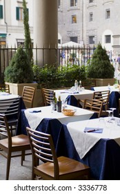 Outdoor restaurant dining table in sun series 09