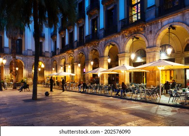 Outdoor restaurants at Placa Reial. Barcelona, Spain
