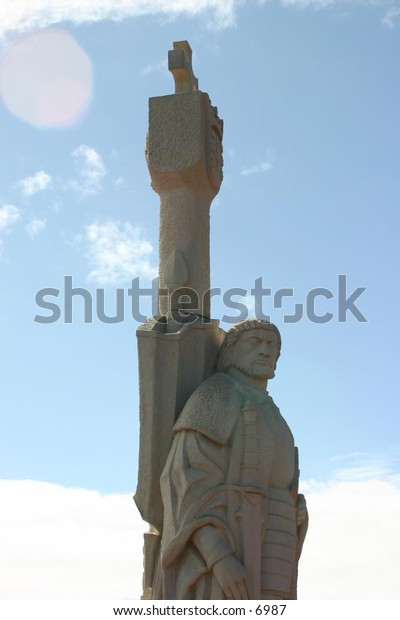 outdoor statuary monuments