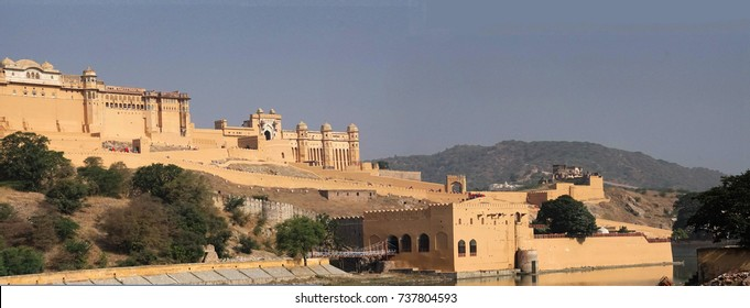 Outer walls of Amber Fort near  Jaipur, Rajasthan, India