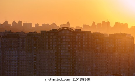 outline of the city in the sunset. beautiful sunset in the evening city