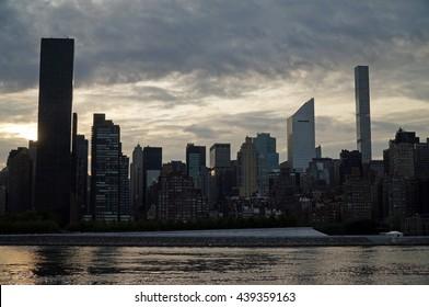 Imágenes, fotos de stock y vectores sobre Urban Street Side