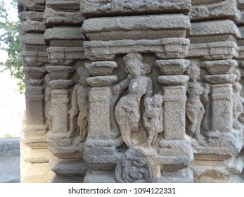 Outsanding mother and child sculptures on the pillars of Aishwaryeshwar temple, India