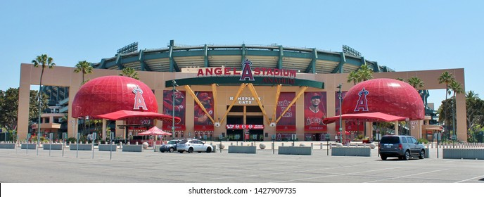 An outside parking lot view of the main entrance gate to Anaheim Angels stadium