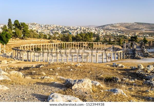 Oval forum, Roman ruins in the Jordanian city of Jerash