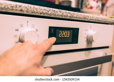 oven dial time or timer set on the household appliances