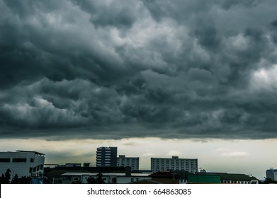 Overcast skies In the rainy season, The sky looks awesome