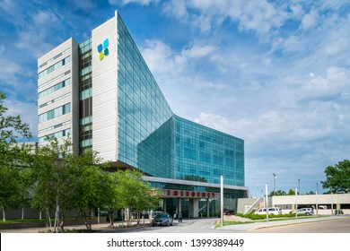 Overland Park, Kansas / United States of America - May 15th 2019: Advent Health Hospital at 9100 W 74th St.  Southern Emergency Room entrance.  Advent Health Shawnee Mission.