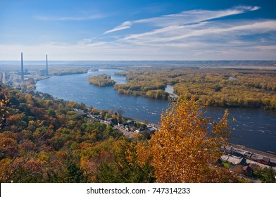 overlook from buena vista city park above alma wisconsin and the mississippi river along highway 35 or the great river road