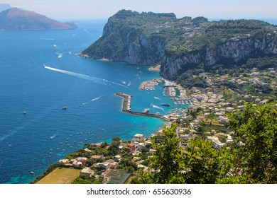 Overlooking the scenery of the blue bay of Naples on the island of Capri
