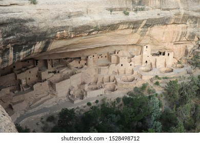 Overview of ancient Cliff Palace  in Mesa Verde National Park, Colorado