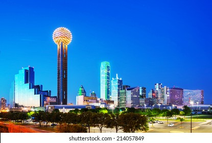 Overview of downtown Dallas in the night