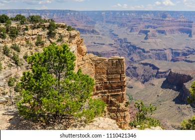 Overview of the Grand Canyon, as seen from Hopi Point, on an early August afternoon