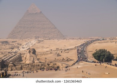 Overview to pyramid of giza with sphynx in the  front