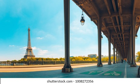 Overview of the tour eiffel with the bir hakeim bridge in paris