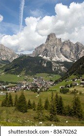 overview of  a village in South Tyrol