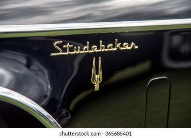 OWEN SOUND, ONTARIO - 09/13/2015: Black Vintage Studebaker Side View, Side Panel - 2015 Concours D'Elegance