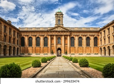 Oxford University_The Queen's College