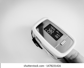 Oxygen saturation and pulse oximeter